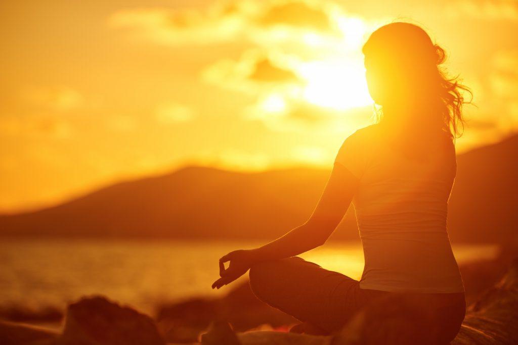 atmanyogafederation aphorisms about meditation 1024x683 - Méditation : Comment débuter ?